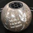 Vase funéraire boule en granit dur
