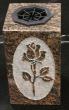 Vase droit funéraire en granit dur